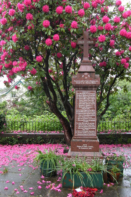 war memorial-geograph-173731-by-Philip-Halling