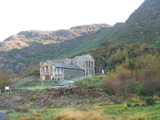 sygun fawr copper mine 2006-geograph-275089-by-Eric-Jones
